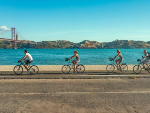 Portugal familiereis met kinderen fietsen Lissabon