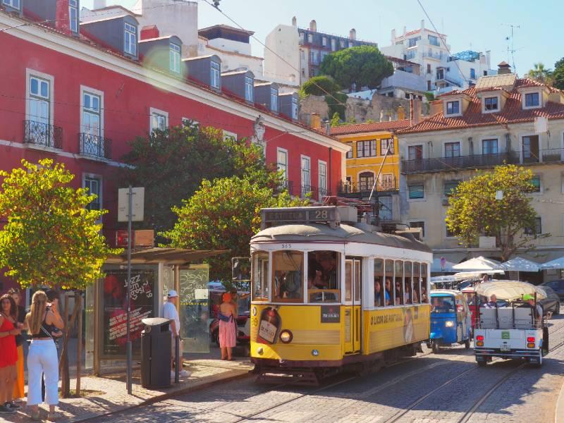 kaart portugal familiereis lissabon tram